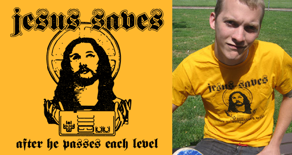 Jesus saves after each level T-Shirt